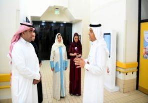 وفد وزارة التعليم يزور مركز الملك فهد ويطلع على خدماته وبرامجه التعليمية